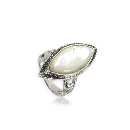 Sortija-Anillo de plata antigua en color blanco. Mediano. Con piedra natural