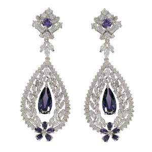 Pendientes de oro blanco en colores azul, cristal, violeta. Grandes
