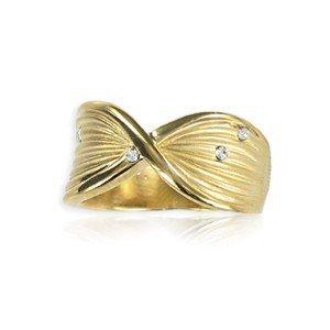 Sortija-Anillo de oro en color cristal. Con cristales