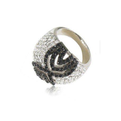 Sortija-Anillo de oro blanco en colores cristal, negro. Con circonitas