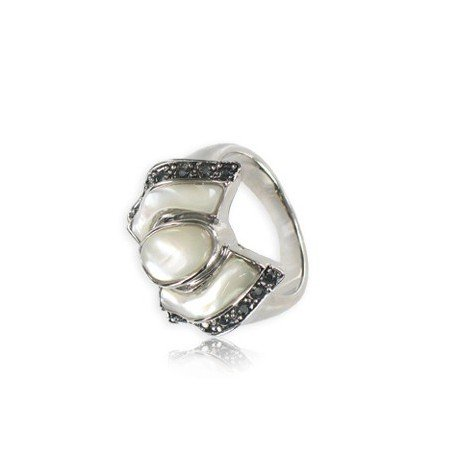 Sortija-Anillo de plata antigua en color blanco. Mediano. Con cristales