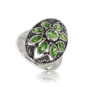 Sortija-Anillo de plata antigua en color verde. Mediano. Con piedra natural