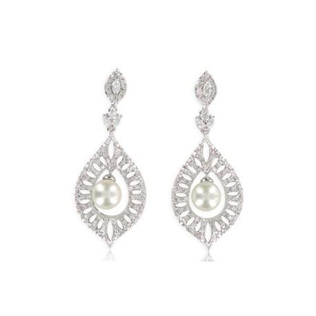 Pendientes de oro blanco en color cristal. Largos. Con perlas, circonitas