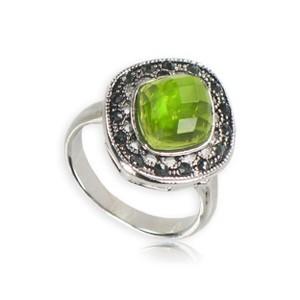 Sortija-Anillo de plata antigua en color verde. Pequeño. Con cristales