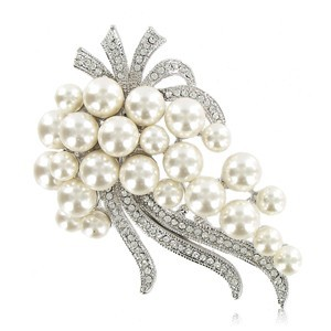 BROOCHES - PLATED: RHODIUM - IN COLOURS: WHITED, CRYSTAL