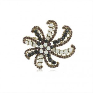 BROOCHES - PLATED: GOLD - IN COLOURS: PREVAILING COLOUR RED, WHITED, BLACK, MULTICOLOR