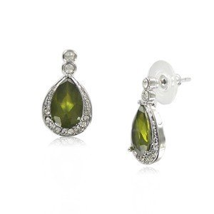 Pendientes de oro blanco en color verde. Cortos. Con cristales