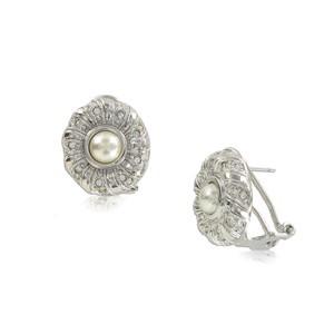 Pendientes de oro blanco en color cristal. Cortos. Con cristales, perlas