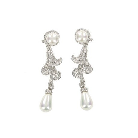 Pendientes de oro blanco en color cristal. largos-Medianos. Con circonitas y perlas