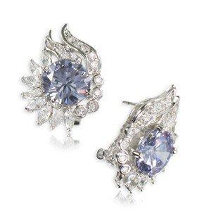 Pendientes de oro blanco en colores cristal, violeta, azul. Cortos