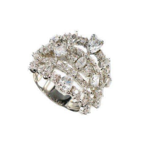 Sortija-Anillo de oro blanco en color cristal. Con cristales, circonitas