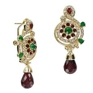EARRING - PLATED: GOLD - IN COLOURS: PREVAILING COLOUR RED, GREEN, CRYSTAL