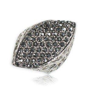 Sortija-Anillo de plata antigua en color negro. Mediano. Con cristales